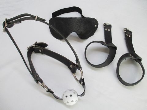Black Leather Breathable Ball gag harness, Wrist cuffs & Blinds Set (SU3)